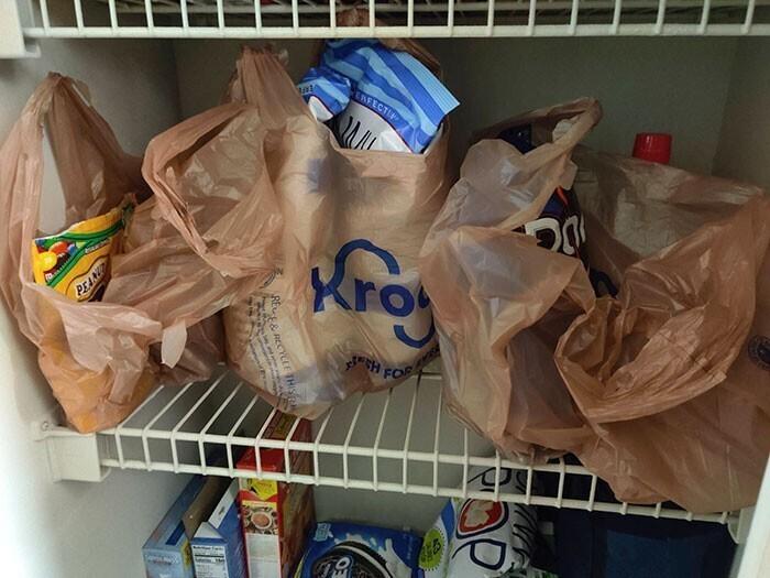 """""""Я попросил подружку разложить продукты в холодильнике"""""""