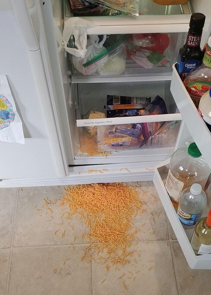 """""""Моя подруга не закрывает пакеты с продуктами и кладет их в холодильник вверх ногами"""""""