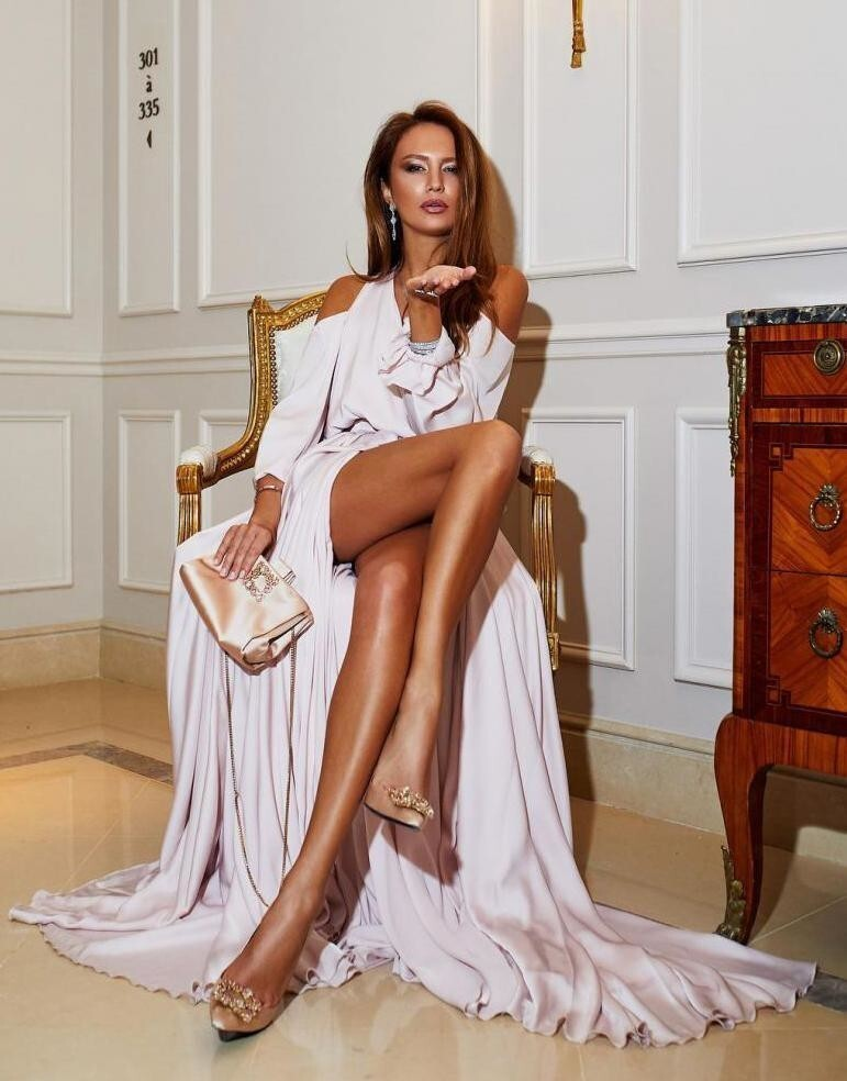 Дизайнер одежды Анна Чибисова -  15 000 долларов