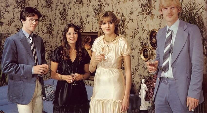 Винтаж с клубничкой: нелепые наряды персонажей эротической прессы ХХ века
