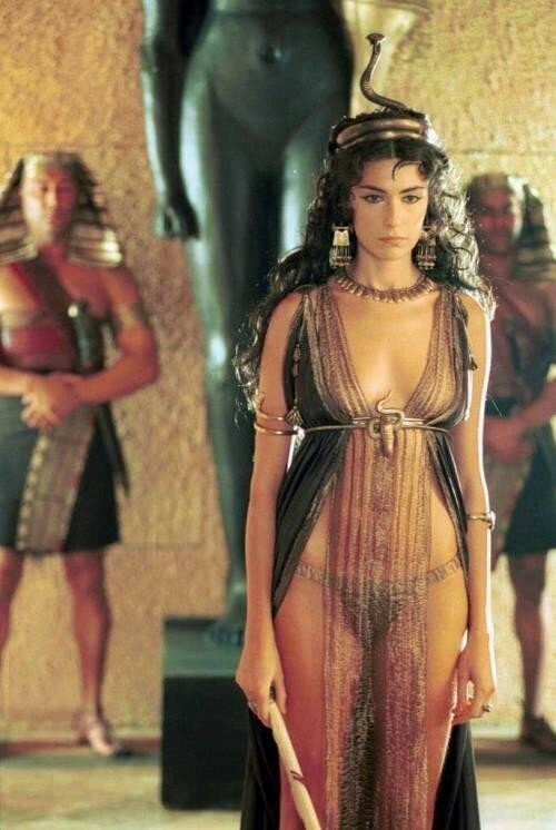 Анна Валле, «Римская империя. Август», 2003