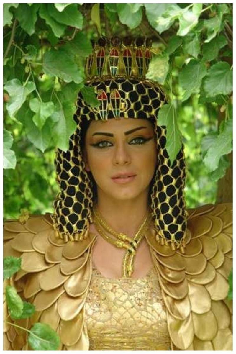 "Сулаф Фавахерджи - сирийская киноактриса, сериал ""Клеопатра"", 2010"