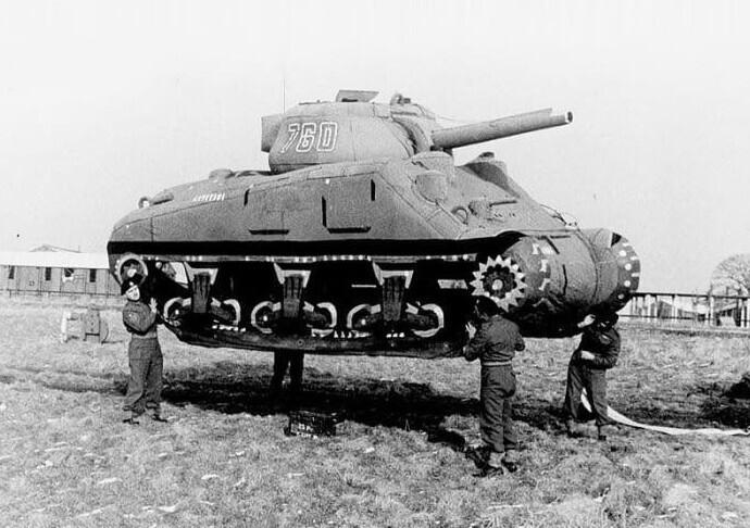 Британцы создали надувные армии, чтобы отвлечь Германию от Нормандии
