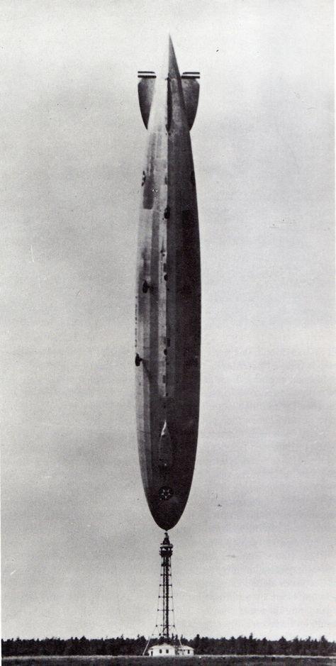 Припаркованный дирижабль времен Первой мировой