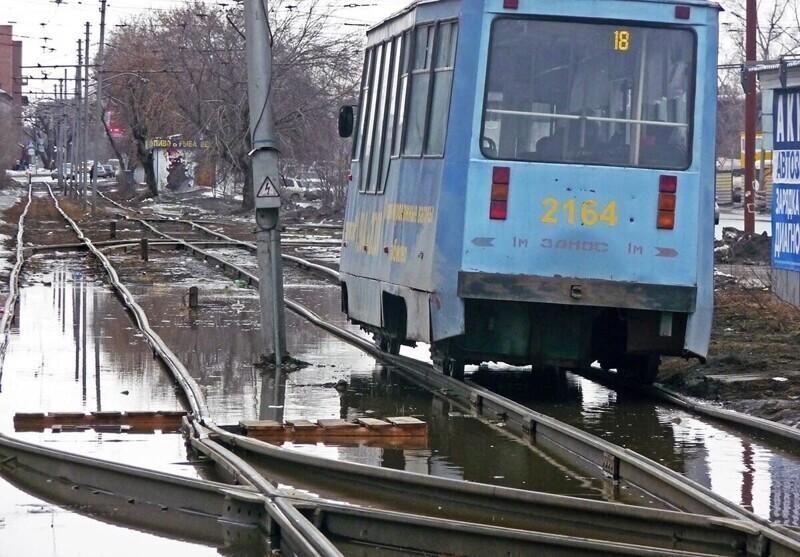 Ездить на общественном транспорте становится непросто
