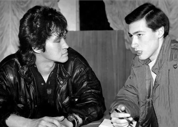 10. Украинский журналист Дмитрий Гордон берет интервью у Виктора Цоя, 1990 год