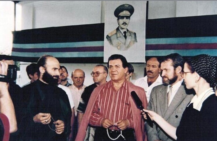 7. Шамиль Басаев, Иосиф Кобзон, Ахмад Закаев, 1994 год, Грозный