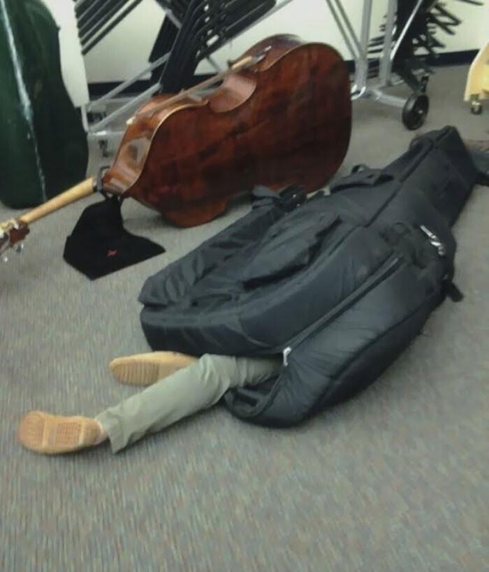 """""""Наш музыкант, кажется, слегка утомился"""""""