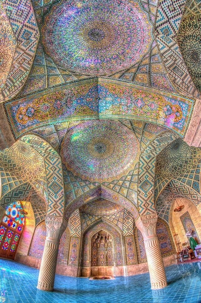 Мечеть Насир аль-Мульк, в Иране