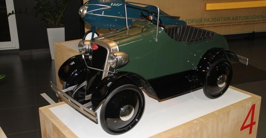 Довоенный педальный ГАЗ. Педальная машина, выпущенная всего в 2.000 экземпляров
