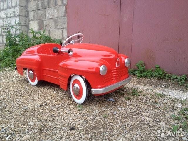 На ЧКПЗ (Челябинском кузнечно-прессовом заводе) с 1957 по 1964 год также выпускали педальный автомобиль «Урал», прототипом для которого стала «Победа»