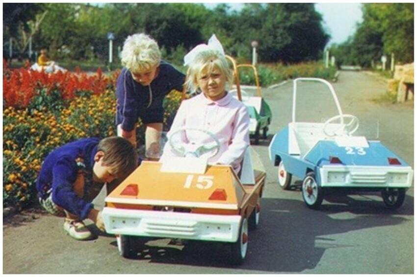 Детский педальный автомобиль «Оренбурец»