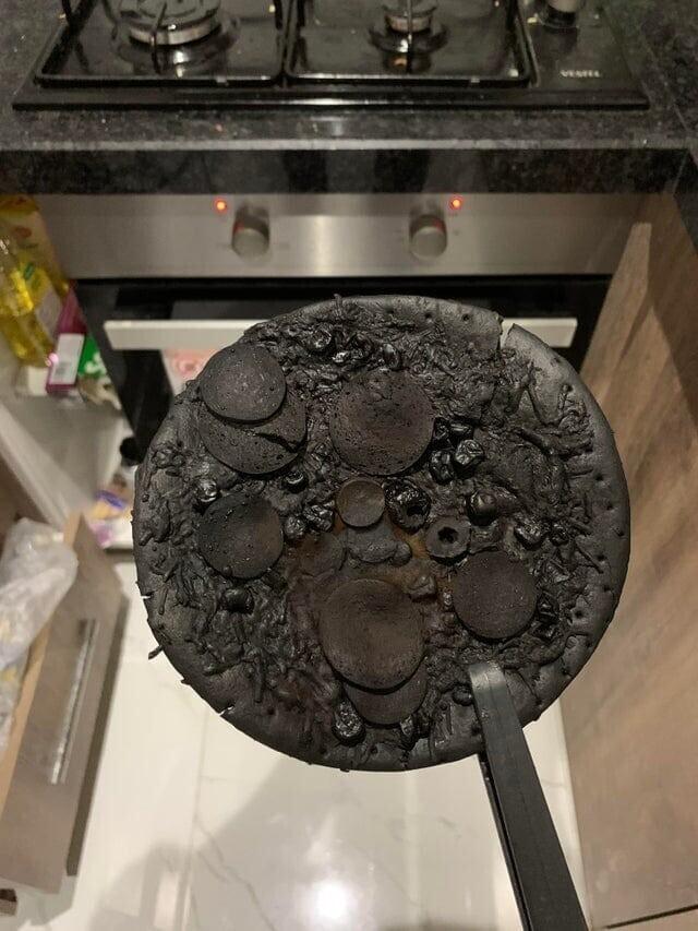 Я забыл пиццу в духовке