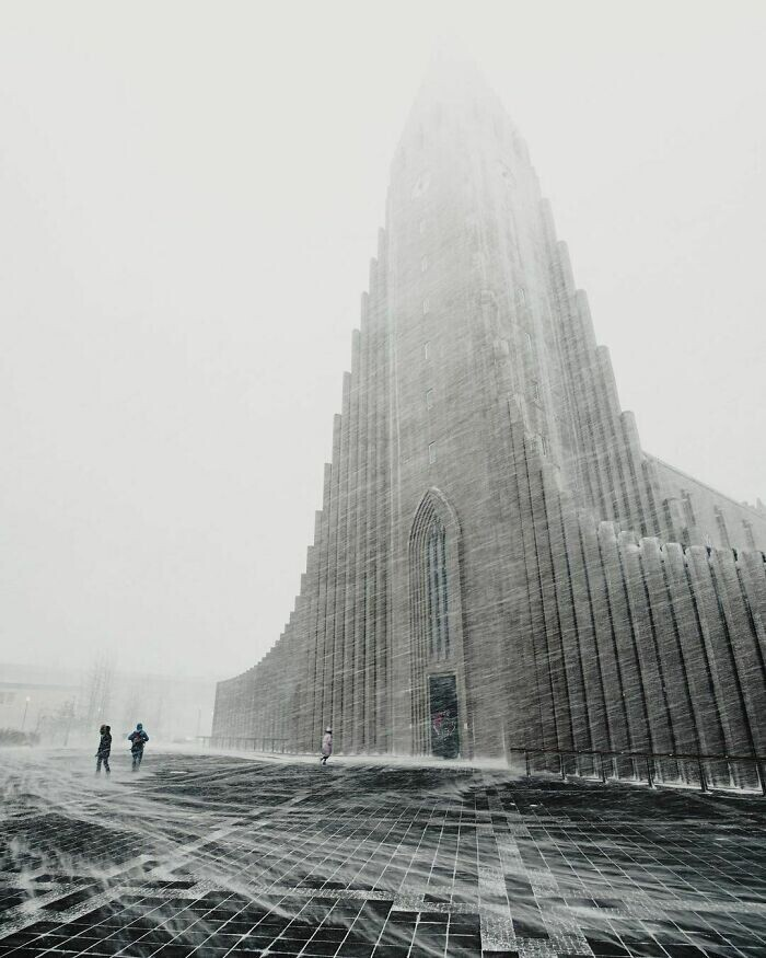 15. Лютеранская церковь Хатльгримскиркья в Рейкьявике, Исландия