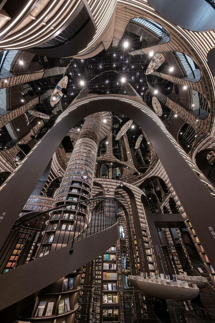 8. Книжный магазин Чжуншугэ в Чэнду, Китай