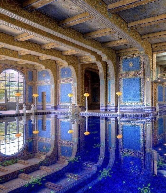"""21. """"Лазурно-голубой бассейн"""" в замке Херст, Сан-Симеон, Калифорния. Построен архитектором Джулией Морган в 1919-1947 гг."""