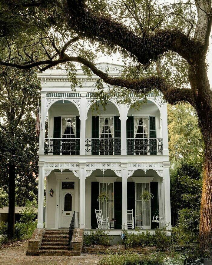 43. Дом с двойной галереей XIX века в Новом Орлеане, штат Луизиана