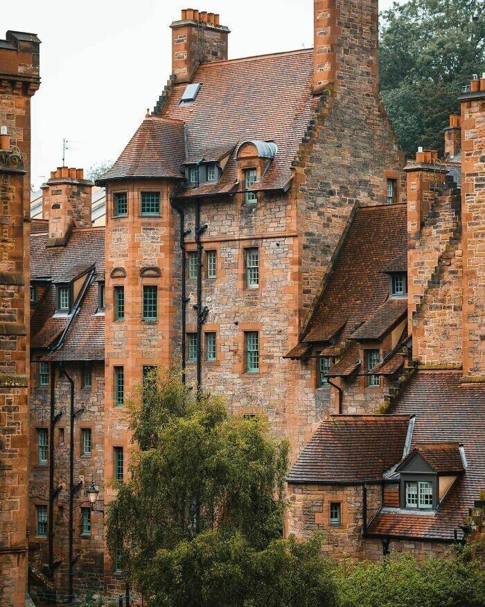 45. Велл-Корт - жилье для рабочих, построенное в 1886 году в Дин-Виллидж, Эдинбург, Шотландия