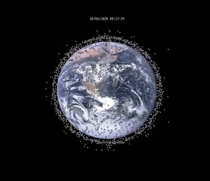 Снимок активных спутников на орбите Земли