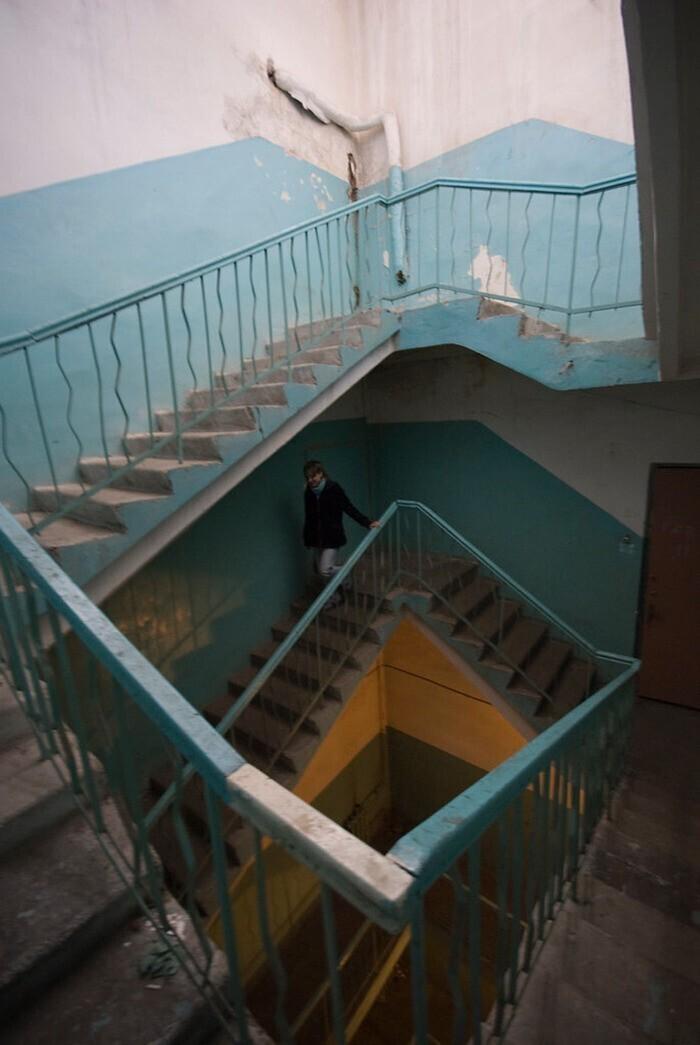 Лестница вверх, ведущая вниз