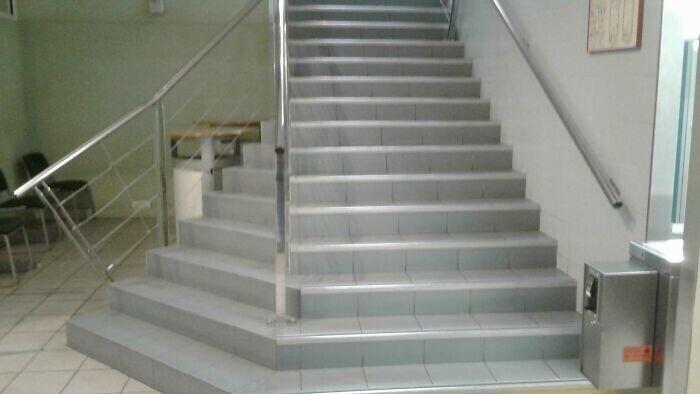 Эта лестница возомнила себя лабиринтом