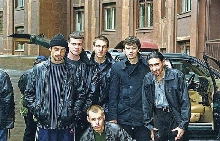 "15. Кадр со съемок фильма ""Брат 2"", 1999 год"