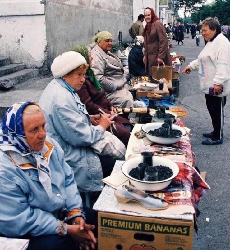 4. Стихийный рынок, Сахалинская область, г. Поронайск, 1998 год