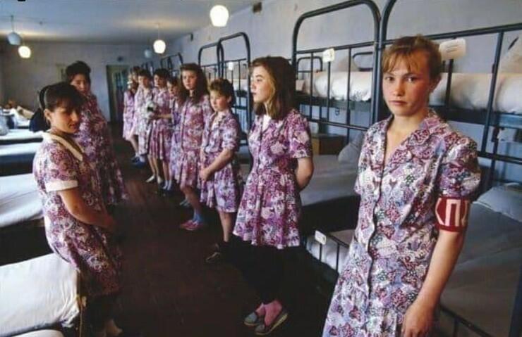 18. На фото Рязанская воспитательная колония. Сюда отправляли молодых жриц любви, 1994 год