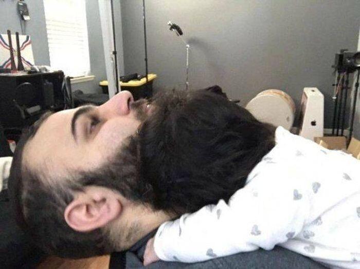 Шикарная борода? Нет, волосы ребёнка