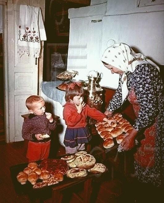 И конечно бабушкины пирожки