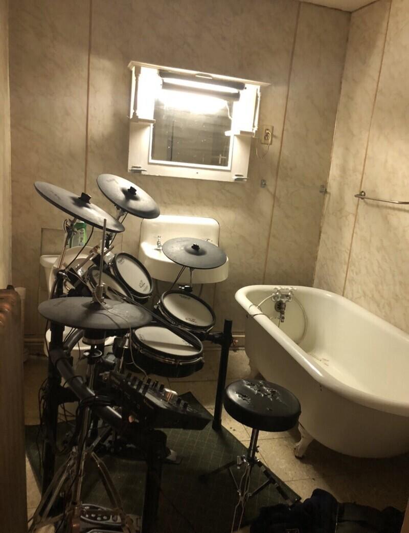 Что парни держат у себя в ванной