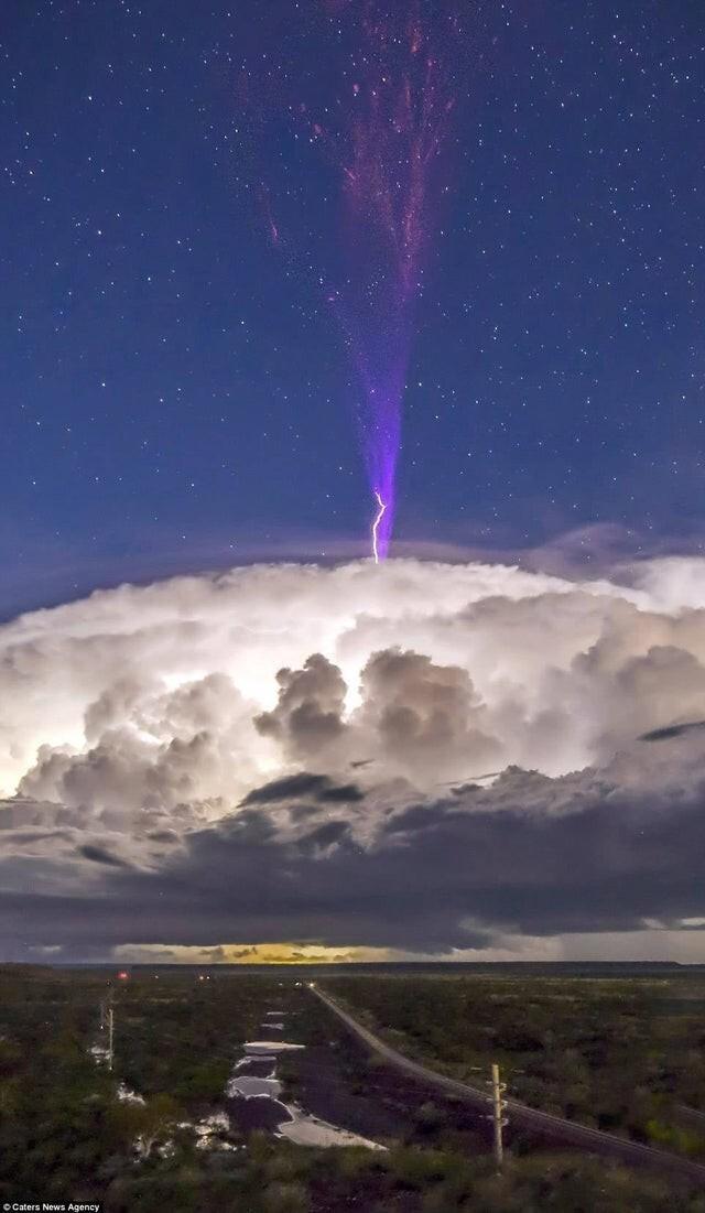 Молния в ионосфере