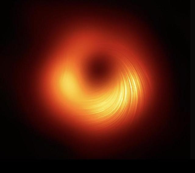 Второй случай в истории, когда удалось запечатлеть чёрную дыру