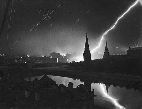 9. Налет немецкой авиации на Москву в 1941 году