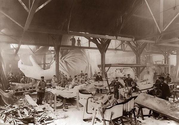 36. Строительство Статуи Свободы в 1884 году