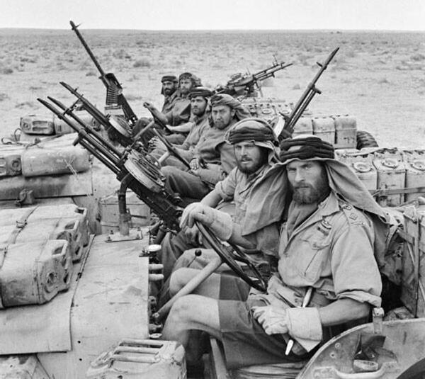 20. Бойцы британской авиадесантной службы SAS после трехмесячного патрулирования Северной Африки в 1943 году