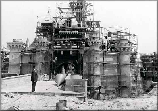 33. Строительство Диснейленда