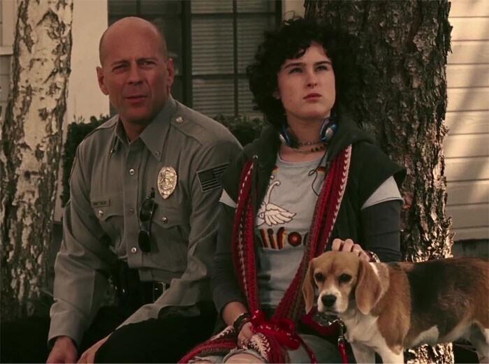 """Брюс Уиллис и его дочь Румер в роли отца и дочери в """"Заложнике"""" (2005)"""