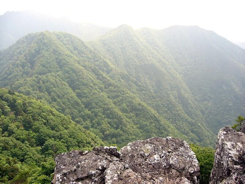 Взбираться на гору Омине