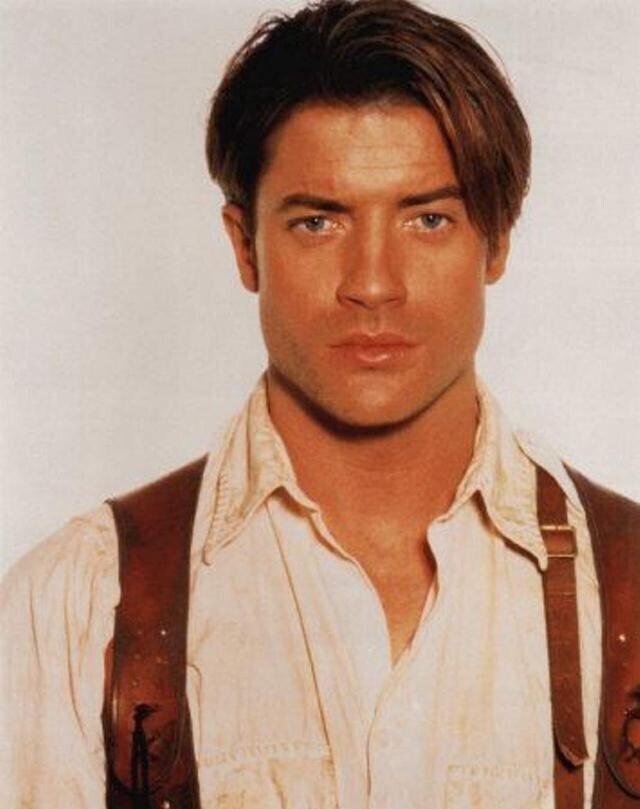 """""""В """"Мумии"""" Брендан Фрейзер был даже круче Лео Ди Каприо в """"Титанике"""". Уважение этому классному актеру!"""" - пишет пользователь @cheapjumpscare"""