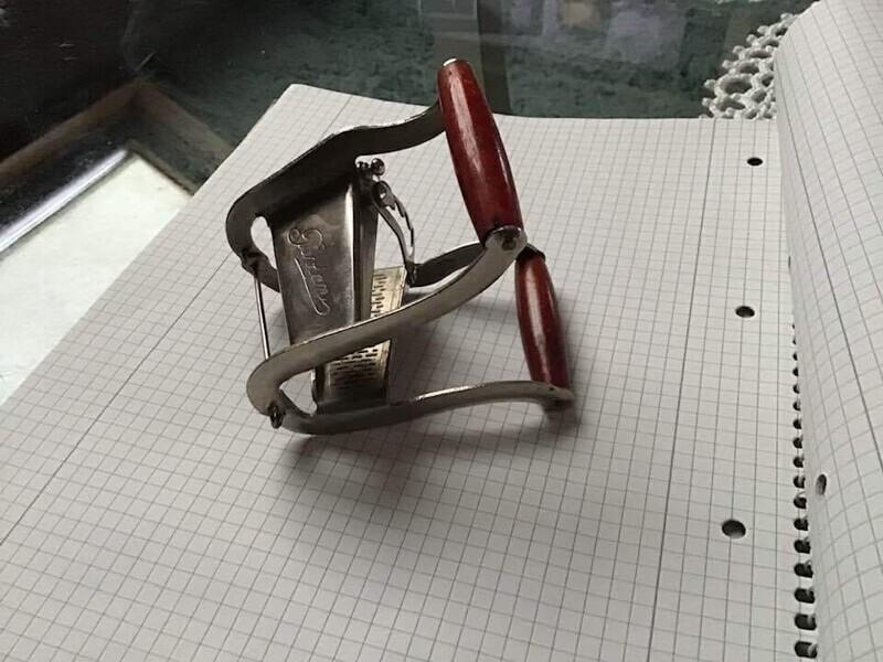 1. Старинный французский инструмент из кухни. Что это? Как его использовать?