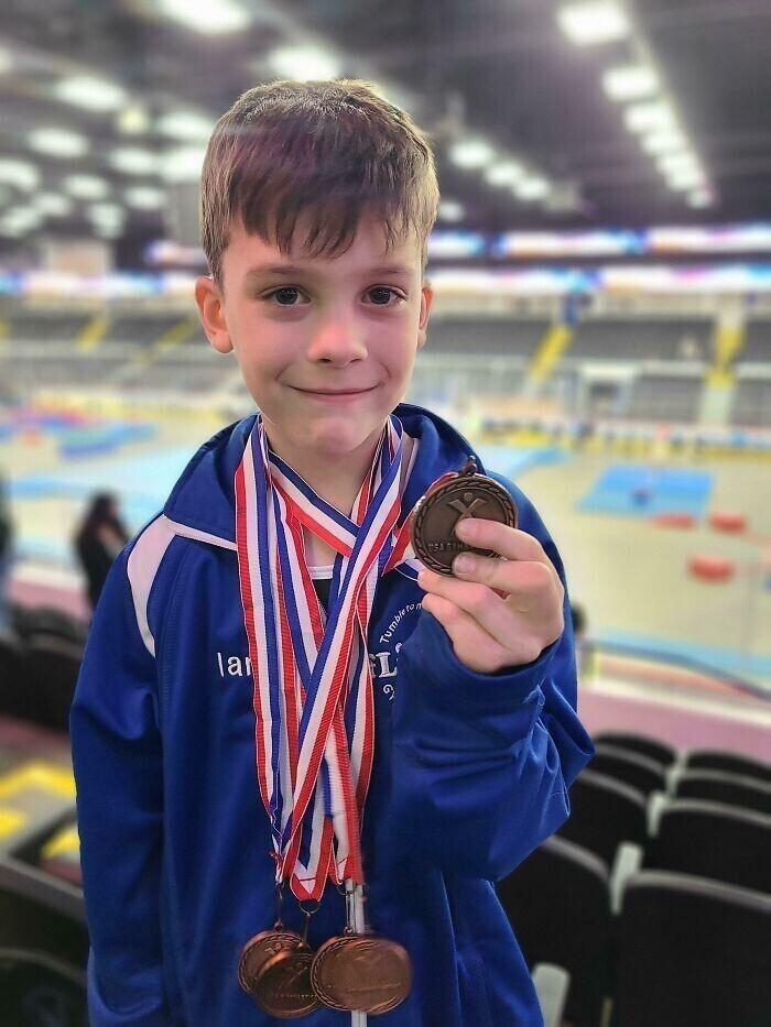 """""""Один из друзей сына по команде не получил ни одной медали, и сын предложил ему свою. """"Это за то, что ты мой лучший друг"""", - сказал он"""""""