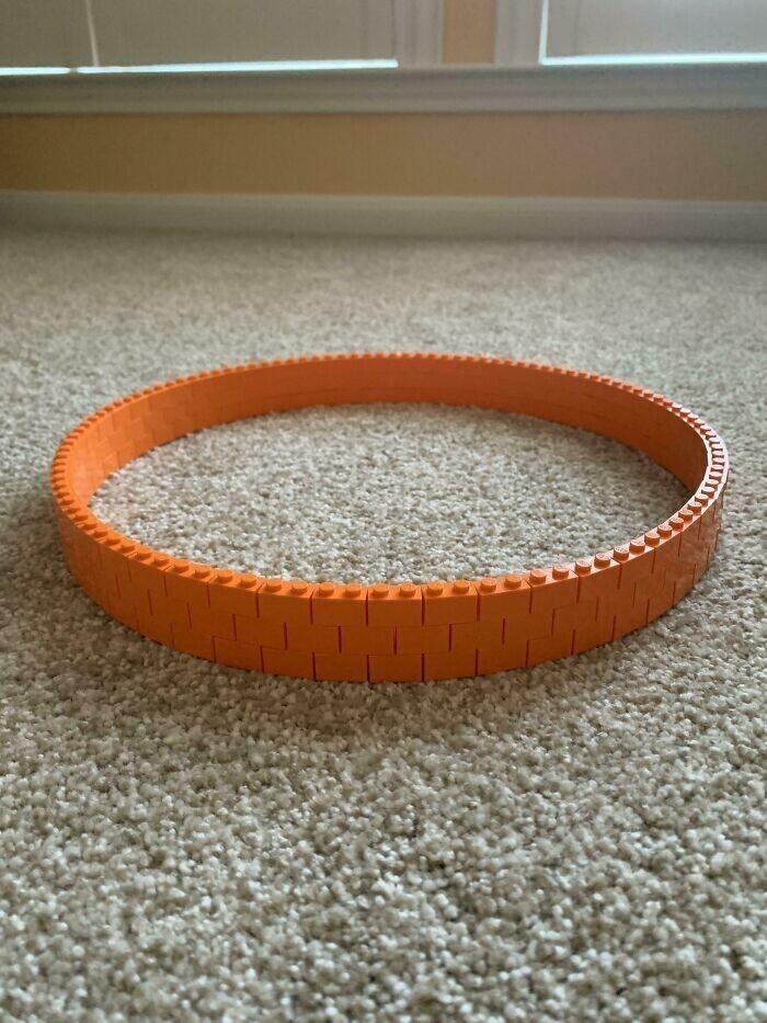 """""""Я сделал из кирпичиков LEGO идеальный круг"""""""