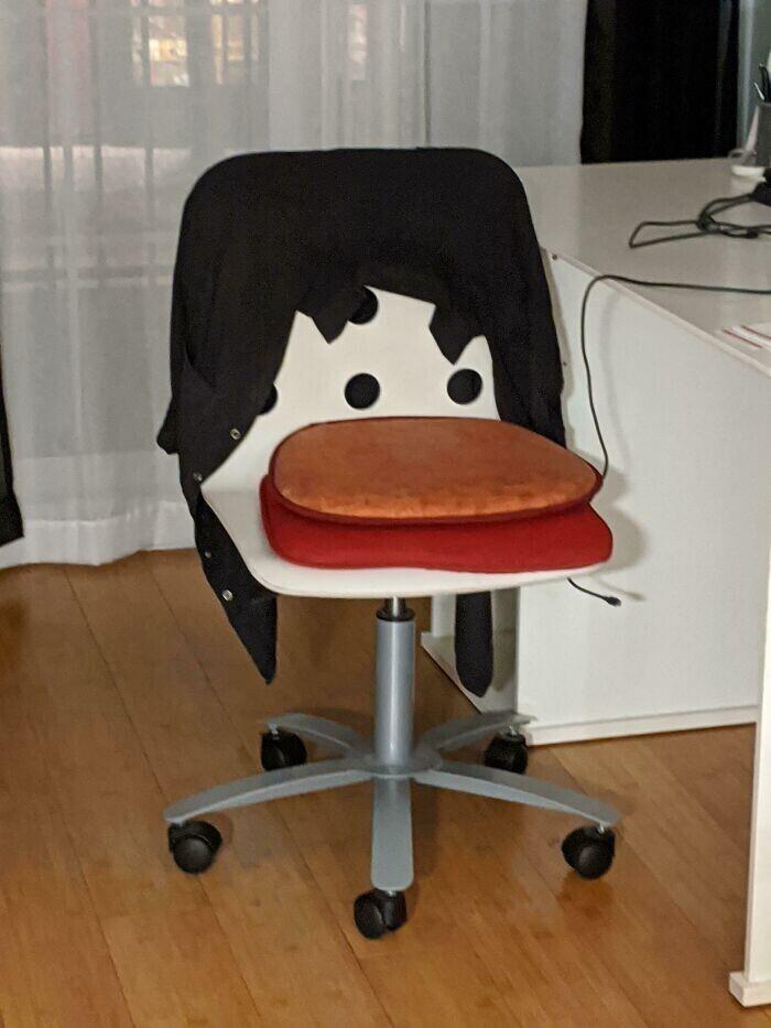 """""""Мой стул случайно превратился в утку"""""""