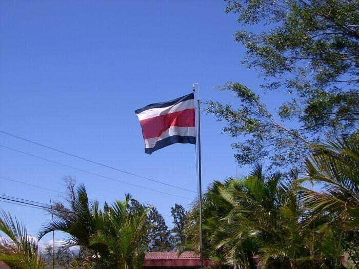 18. В Коста-Рике нет названий улиц