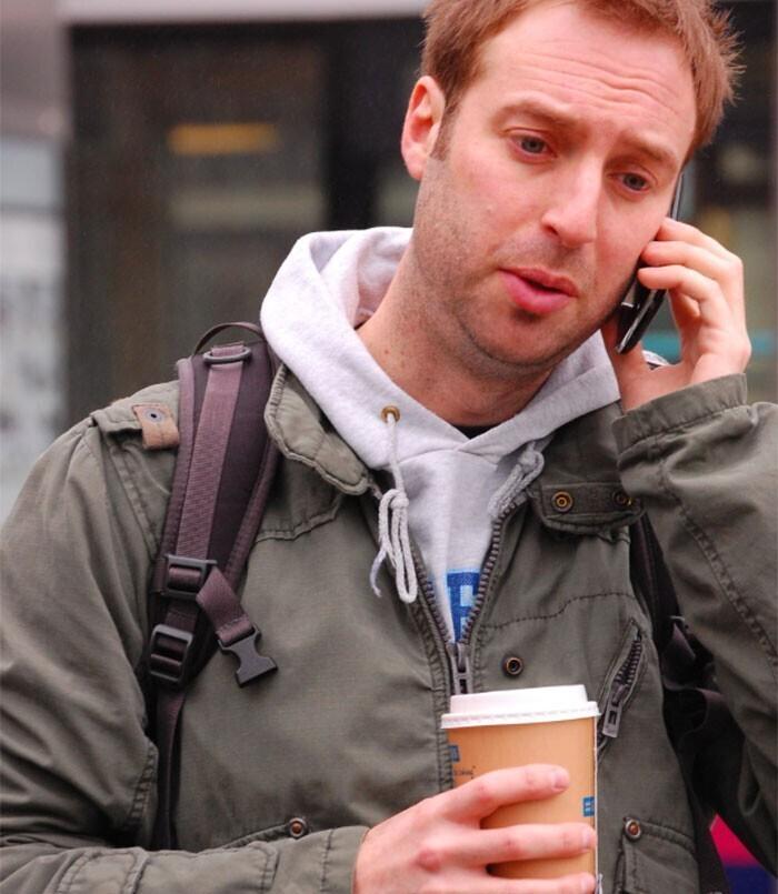 """30. В Нидерландах принято отвечать на телефонные звонки """"Хой"""""""