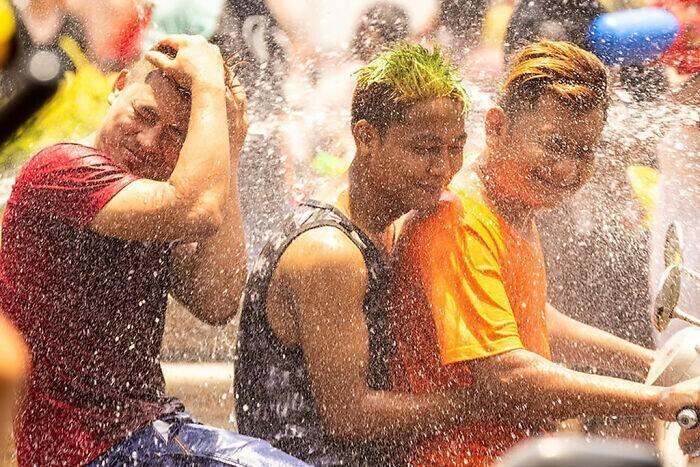 """17. В Таиланде в апреле проходят общенациональные """"водные бои"""""""