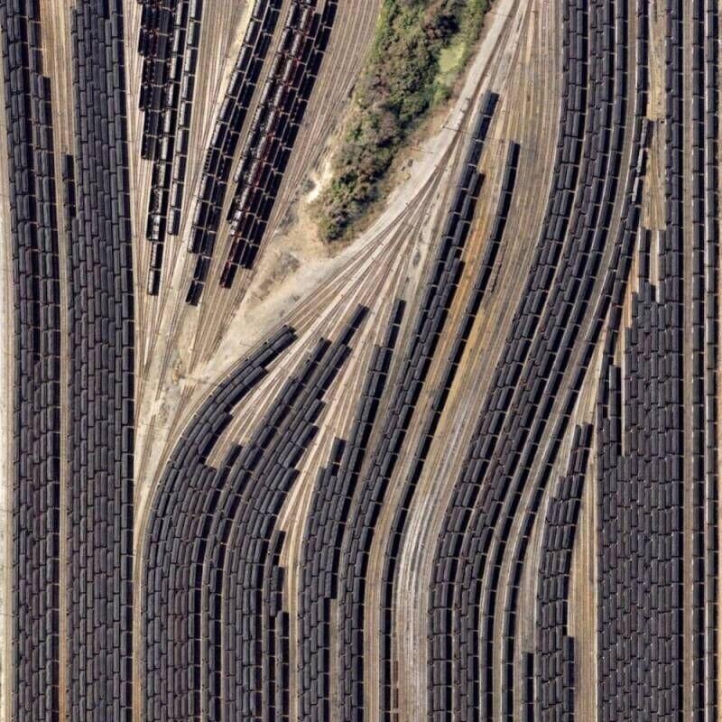 Вид на поезда с высоты птичьего полета