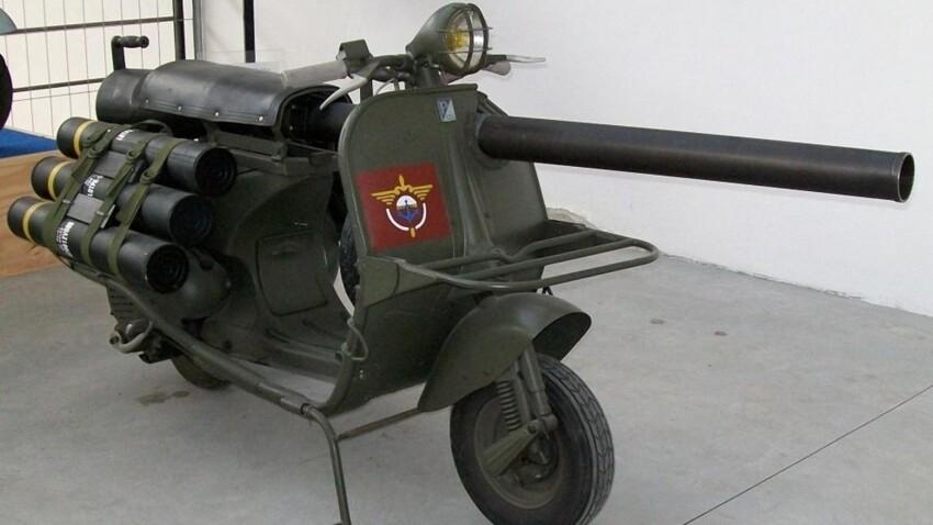 Piaggio Vespa с 75-мм безоткатной пушкой М20