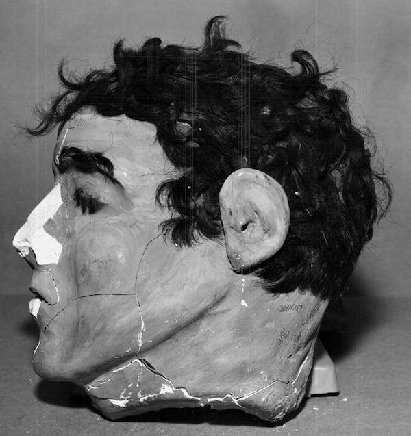 Эта голова из папье-маше — одна из тех, что использовали Фрэнк Моррис и Джон и Кларенс Энглин, когда пытались сбежать из Алькатраса в 1962 году